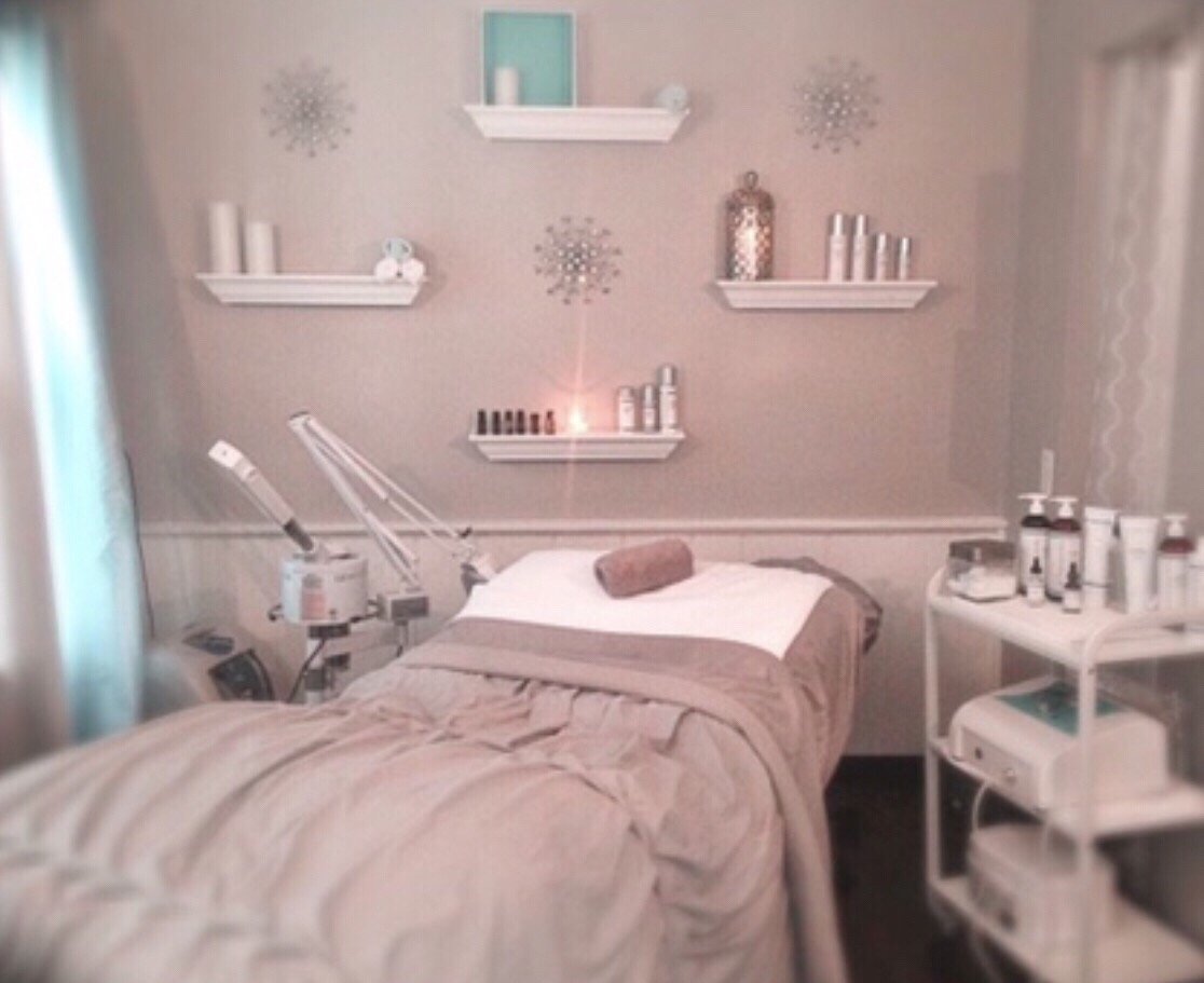 Mint Beauty and Wellness in downtown Okauchee, WI • The Lake Country Mom